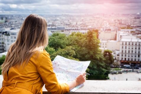 Solo-travel_girl_map.jpg